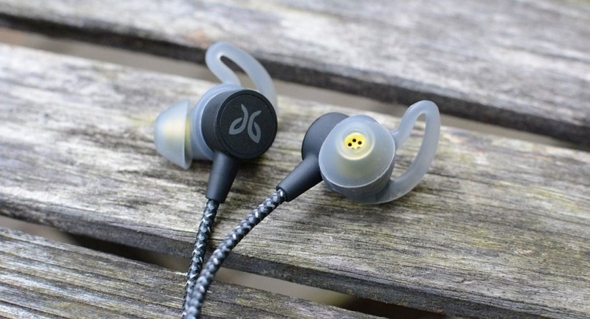 13 Best Headphones for Those Who Practice Sports