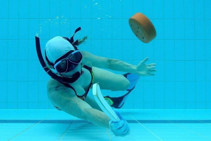 Underwater Hockey - Learn How This Strange Sport Works